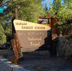 Early morning in line for the Wilderness Permit - Hike No 20